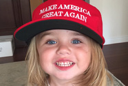 """Con trai ông Trump tung """"vũ khí bí mật"""" đọ với bà Clinton"""