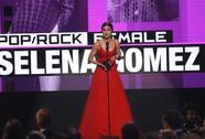 Selena Gomez vượt mặt đàn chị Taylor Swift