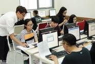 Điểm chuẩn bổ sung Trường ĐH Hoa Sen hầu hết 15