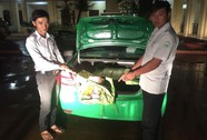 Bắt xe taxi Mai Linh vận chuyển gần 1 tạ pháo nổ