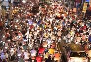 Kẹt xe, CSGT bất lực trước hàng ngàn người chen lấn, gây gổ