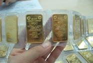 Giá vàng đi lên, USD tự do vượt mốc 23.300 đồng