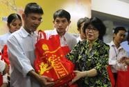 220 phần quà cho công nhân đón Tết
