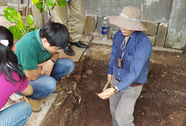 Phát hiện nền đất lạ ở khu vực khảo cổ tìm mộ Quang Trung