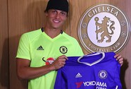 Châu Âu sốc khi David Luiz quay về Chelsea