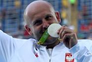 VĐV Ba Lan bán HCB Olympic cứu bé trai ung thư