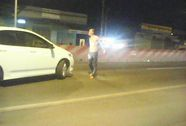 Côn đồ ngáo đá nằm vạ, đập phá xe ở Long An
