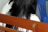 Xót lòng phiên xử mẹ ép con gái bán trinh ở Hậu Giang