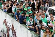 Máy bay chở đội bóng của Brazil rơi, 75 người chết