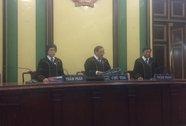 TP HCM: Thẩm phán mặc áo choàng khi xử án