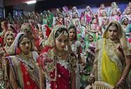 Đại gia kim cương Ấn Độ tổ chức đám cưới cho 236 cô gái không cha