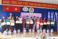Tuyên dương 52 gia đình CNVC-LĐ tiêu biểu