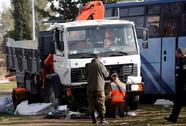 Xe tải lao vào binh sĩ, 19 người thương vong