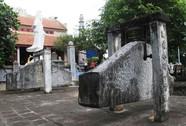 Độc đáo khánh đá cổ trên núi Ốc Sơn