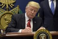 Hàng ngàn học giả ký tên phản đối ông Trump