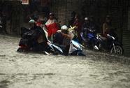 TP HCM lại chìm trong biển nước