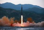 """Ông Trump """"chỉ có 10 phút"""" quyết định nếu Triều Tiên tấn công Mỹ"""