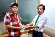 Tài xế taxi Mai Linh trả hơn 100 triệu đồng cho khách bỏ quên