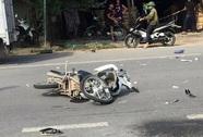 Xe máy đối đầu, 1 người tử vong, 2 thanh niên nguy kịch
