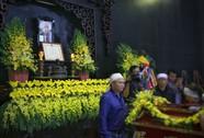 Tổng Bí thư gửi vòng hoa viếng cụ Hoàng Thị Minh Hồ
