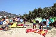 Khách quốc tế đổ xô đến Ninh Thuận lướt ván diều