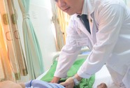 Cụ ông 102 tuổi nôn ói suốt tháng đã khỏi nhờ đặt stent môn vị