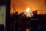 Cháy lớn ở KCN Long Bình, lửa ngùn ngụt trong đêm