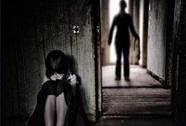 Gã hàng xóm hãm hại bé gái câm điếc đến mang thai