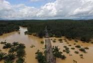 Thái Lan: Kẹt xe kéo dài 200 km