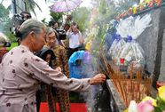 504 hoa hồng tưởng niệm vụ thảm sát Sơn Mỹ