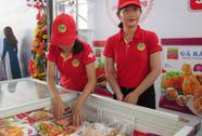 Container thịt gà đầu tiên xuống cảng đi Nhật