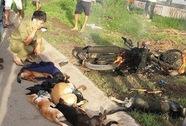 Nghi trộm chó, 2 thanh niên bị đánh và đốt xe