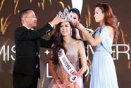 Cận cảnh nhan sắc Hoa hậu Hoàn vũ đầu tiên của Lào