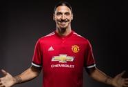Ibrahimovic giảm nửa lương, mất áo số 9 khi trở lại M.U