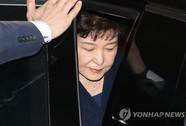 Cựu tổng thống Hàn Quốc bị thẩm vấn từ sáng đến đêm