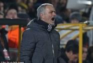 Mourinho lại đổ lỗi mặt sân Rostov