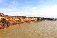 Lòng sông Chu bị khoét