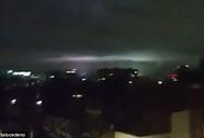 """Mảng sáng bí ẩn xuất hiện cùng """"động đất thế kỷ"""" ở Mexico"""