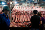 TP HCM: Thịt heo không rõ nguồn gốc đầy chợ đầu mối!