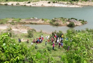 Phát hiện thi thể người phụ nữ khỏa thân trôi sông Đakrông