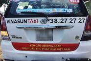 """Taxi truyền thống... chơi """"lầy"""""""