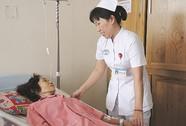 """Trải lòng của nữ điều dưỡng chăm sóc người """"gần cõi chết"""""""