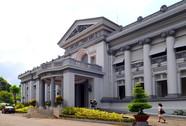 Bảo tàng và ly trà đá