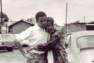 Chuyện tình đi cùng năm tháng của vợ chồng ông Obama