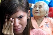 Bệnh nhân xúc động bật khóc khi được hớt tóc, gội đầu miễn phí