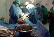 Lấy khối u nặng tới 4kg ra khỏi cơ thể một phụ nữ