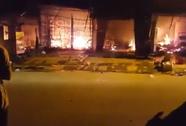 """Cháy lớn chợ huyện ngày """"thần tài"""""""