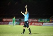 V-League lại nóng vì trọng tài