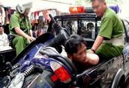 Liều lĩnh đánh người, cướp xe trước cổng Phòng An ninh điều tra