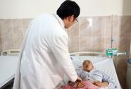 Mở sọ, giải áp cứu bé gái chấn thương do TNGT